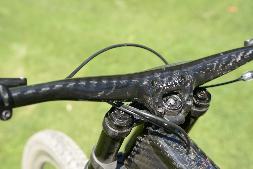 Unno\'s Showstopping Carbon DH Bike: First Ride