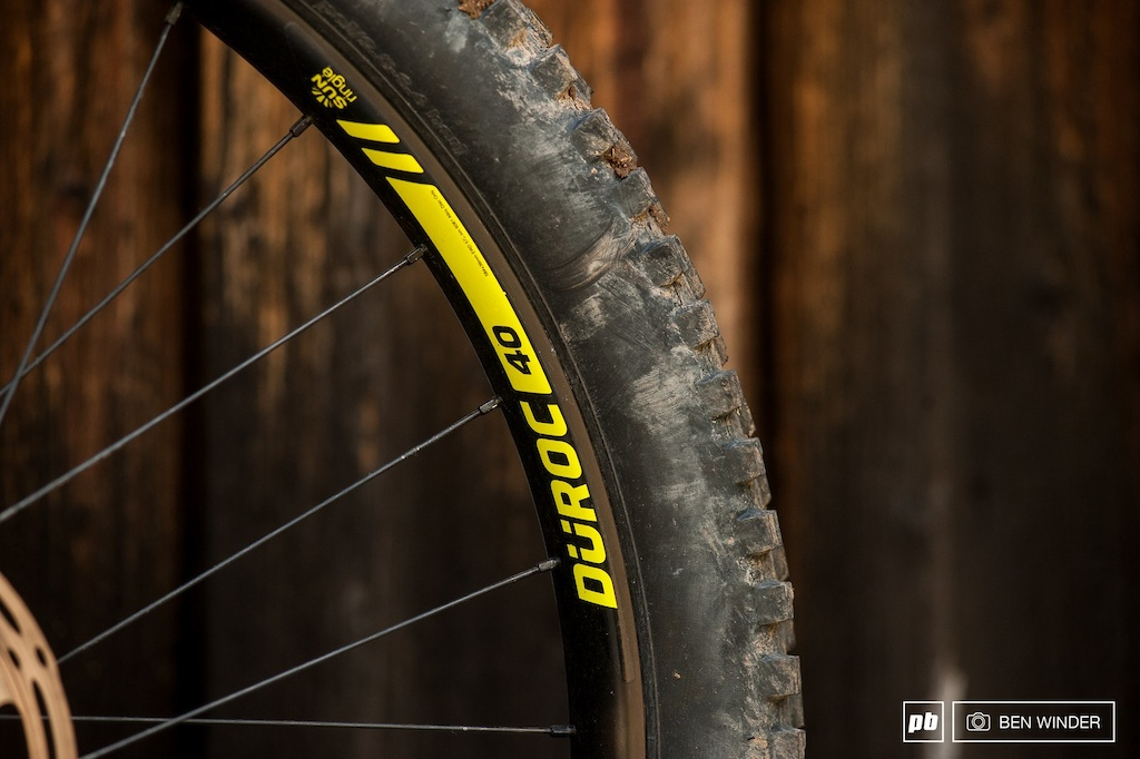 The Sun Ringle Duroc 40 rims were matched with 2.5 Wide Trail tires from Maxxis.