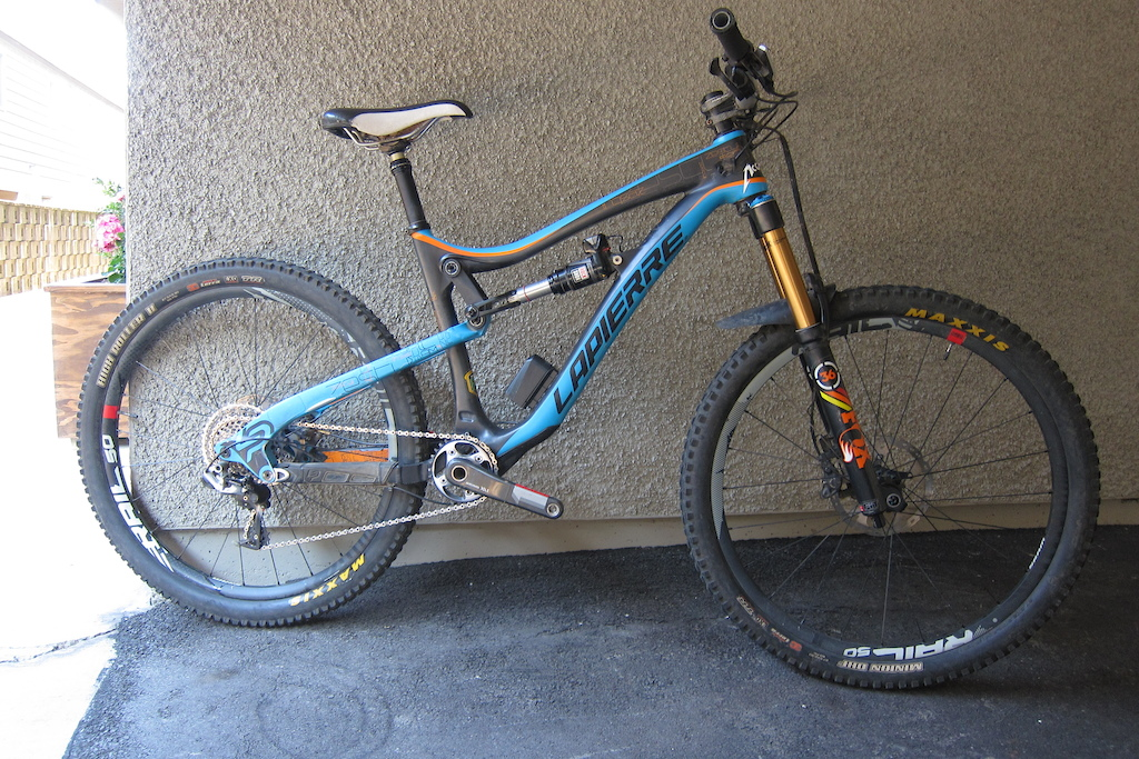 this is the bike i'm selling. it's a lapierre zesty 527 AM