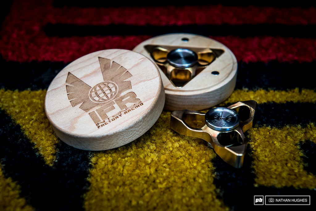 Some custom fidgetery from Intense to keep the riders minds steady for this final round.