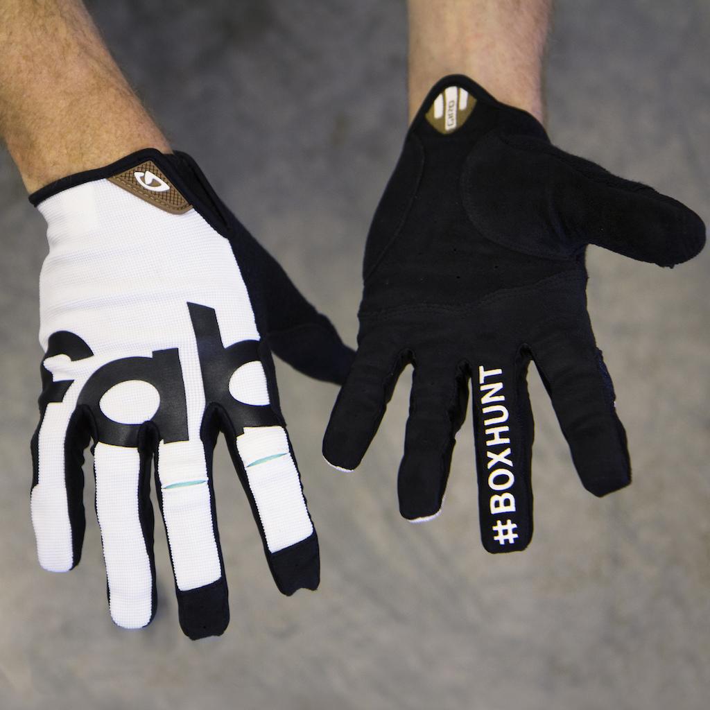 Box Hunt Prize - Custom Glove