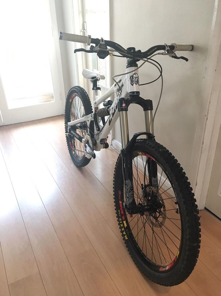 2012 Cove STD Downhill Freeride Bike