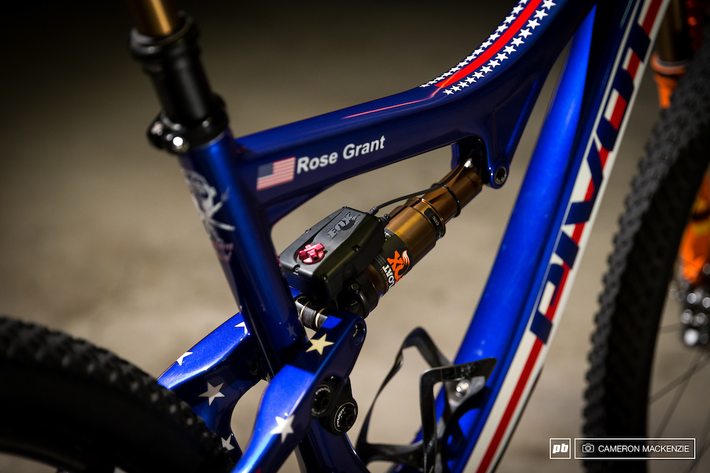 Rose Grant and Chloe Woodruff s Custom Pivot World Champs Bikes - Bike Check