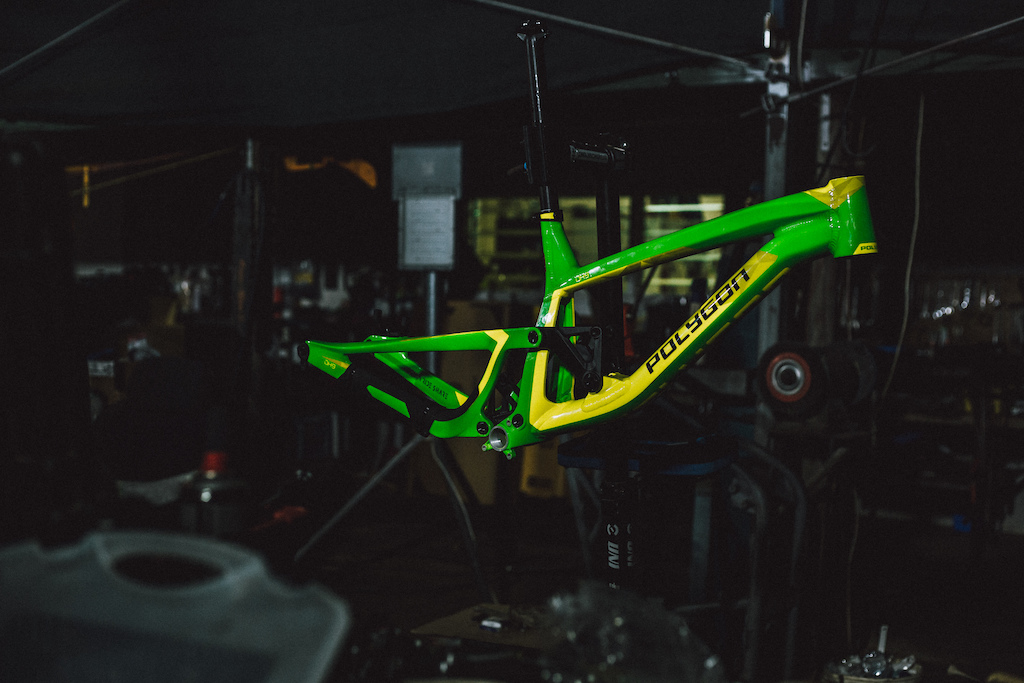 Tracey Hannah's Polygon DH9 done up in Aussie colors.  But will she race this bike or the prototype seen at Crankworx and Val di Sole?