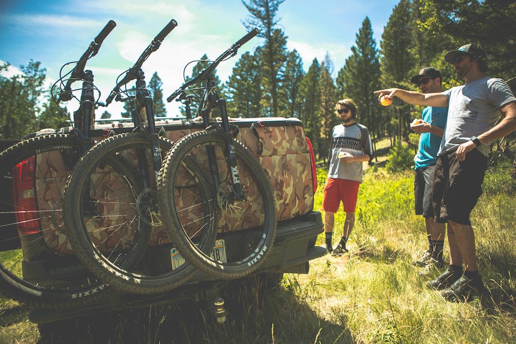 Photos for the video Montana Smugglin
