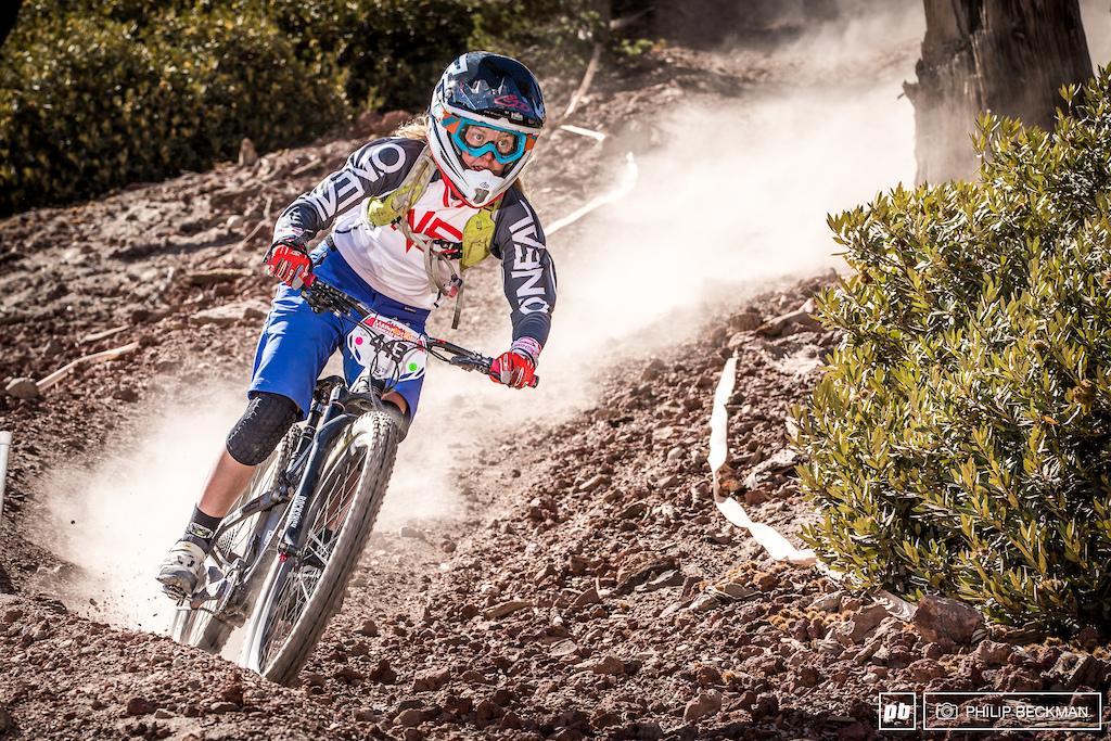 Seventeen-year-old Isabella Naughton Pivot riding out of Flagstaff Arizona smoked the Expert Women class.