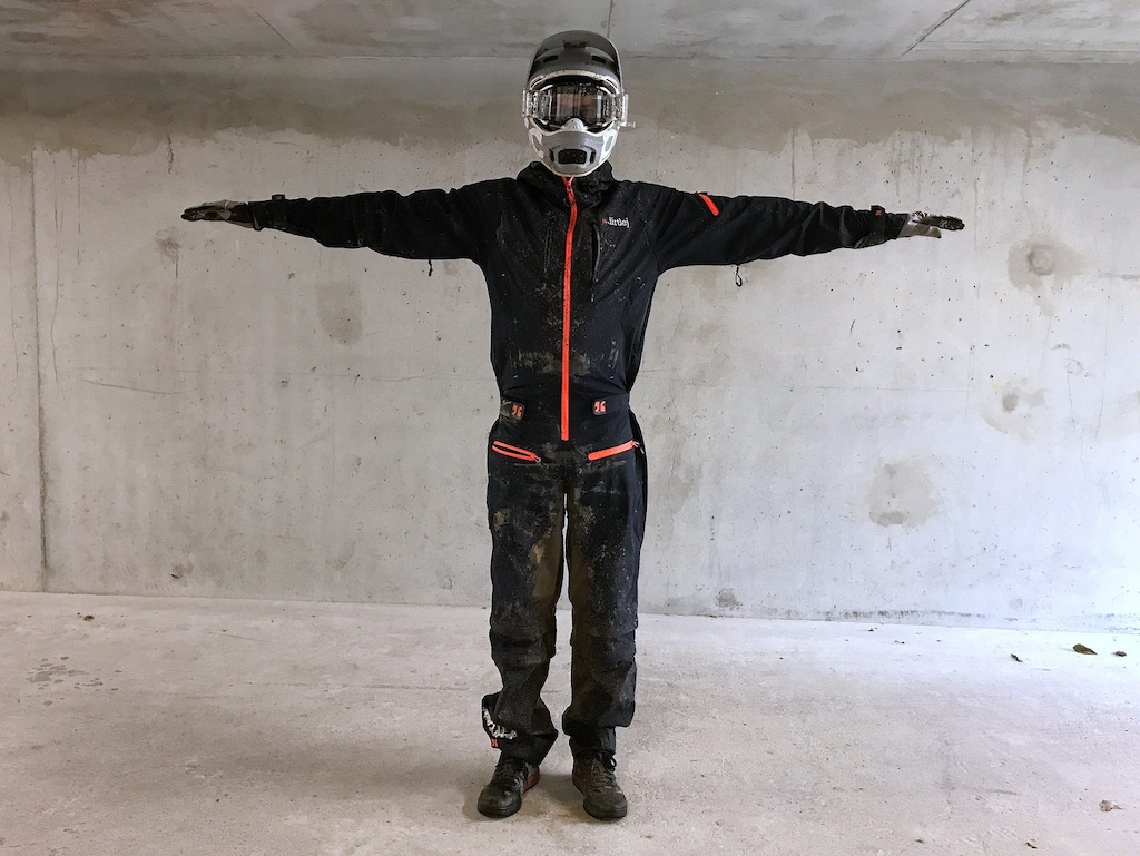 Dirtlej Dirtsuit