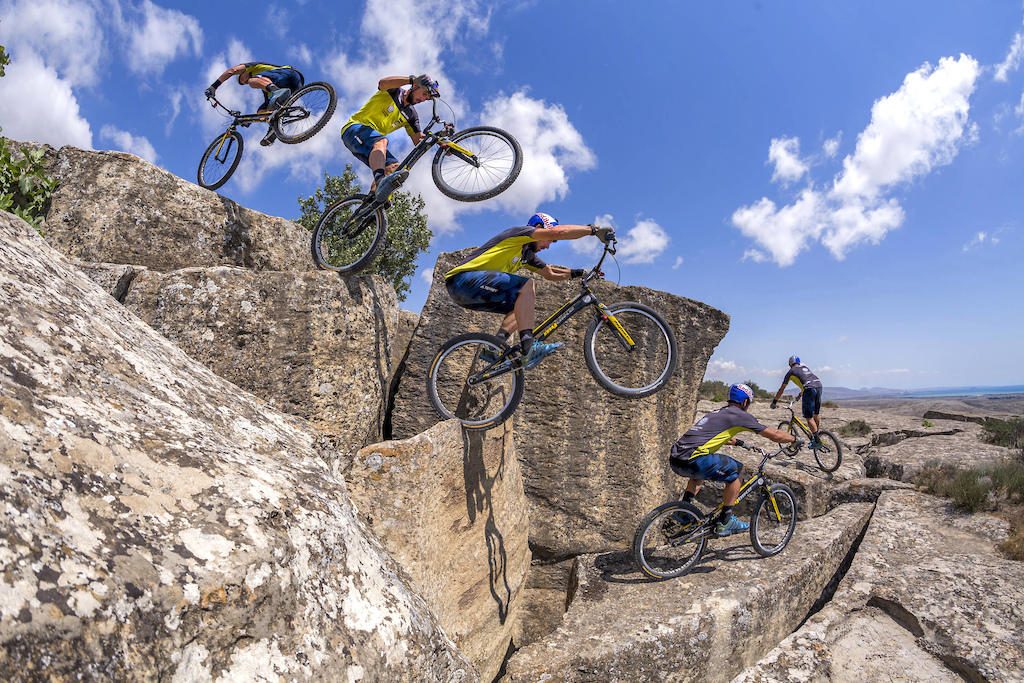 Kenny Belaey performs at Gobustan National Park in Baku Azerbaijan on July 13 2017 Nikoloz Paniashvili Red Bull Content Pool P-20170731-00913 Usage for editorial use only Please go to www.redbullcontentpool.com for further information.