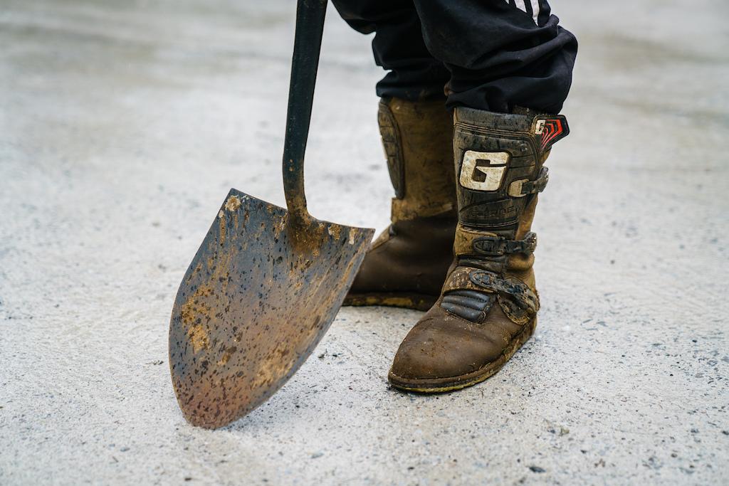 Moto boots are great for diggin' in the mud.
