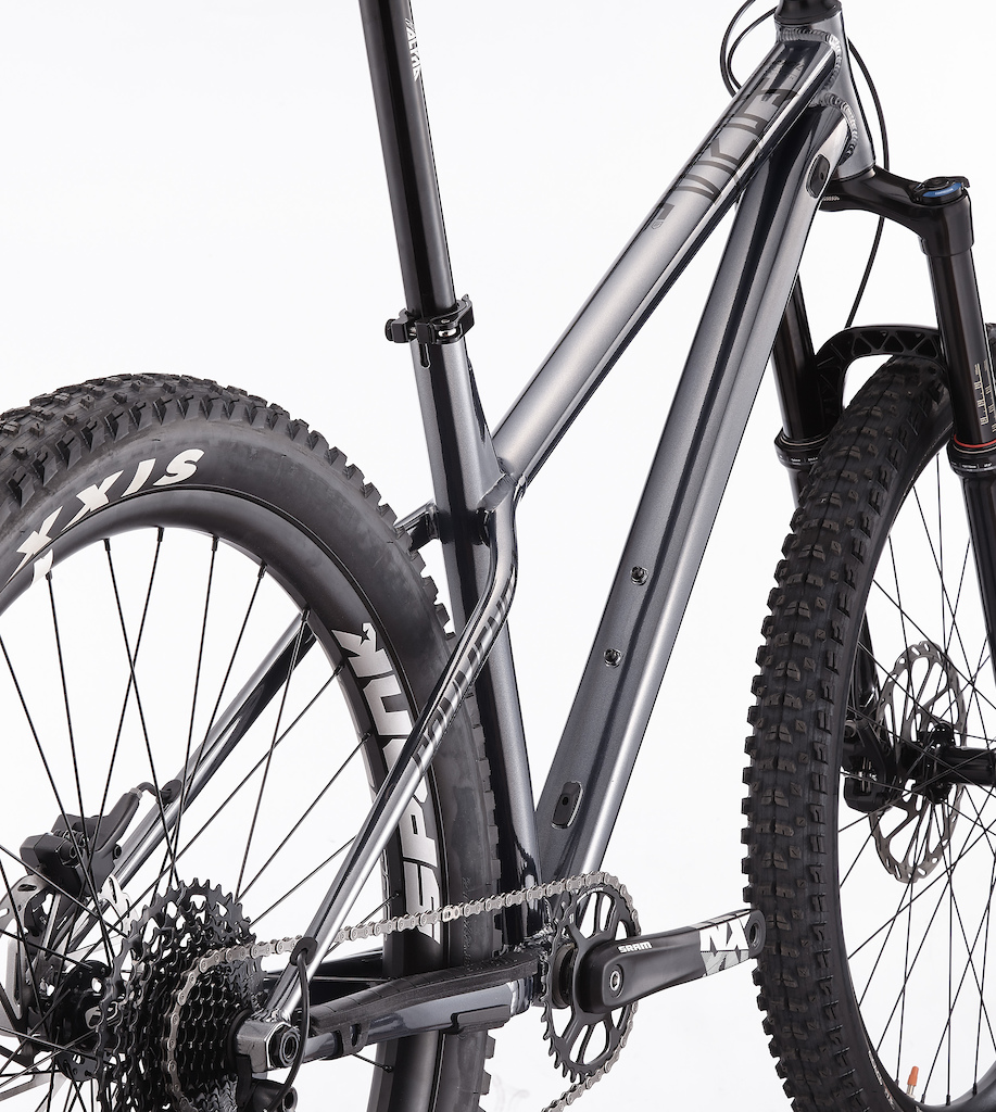 New Commencal Meta HT AM