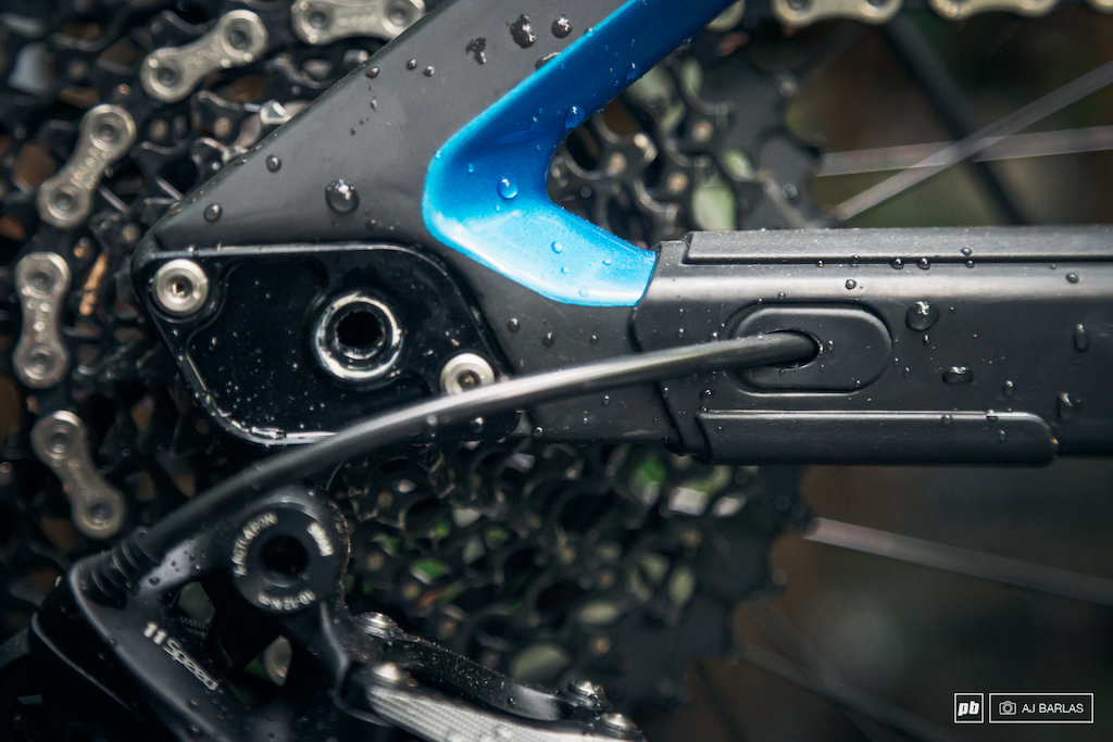 The internal routing also features rubber grommets to help seal the internals and to help keep the cable in place. Also note the integrated protection added below the stay on the driveside.