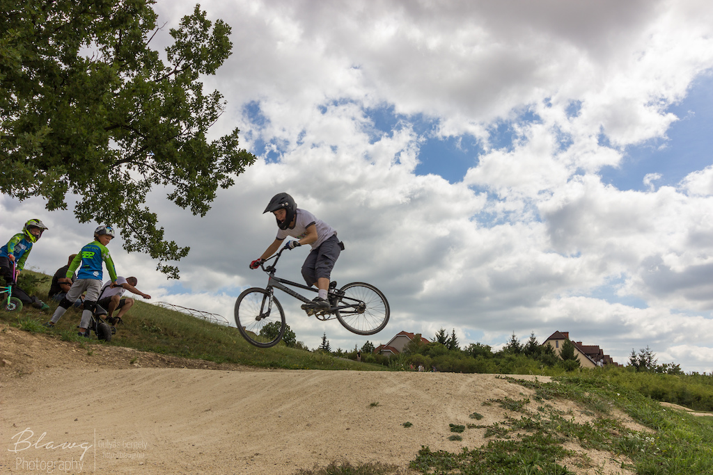 https://www.pinkbike.com/u/vakesz/blog/the-history-of-the-1st-bmx-cross-track-in-hungary.html