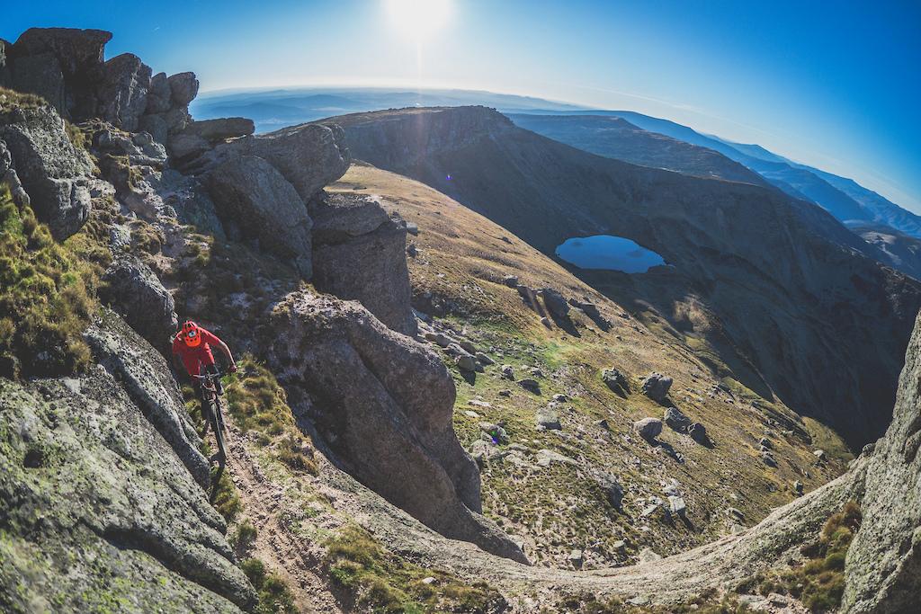 Pico de Urbi n from its summit are unbeatable views of the mountains of La Demanda Cebollera Cameros Moncayo Cabrejas ...