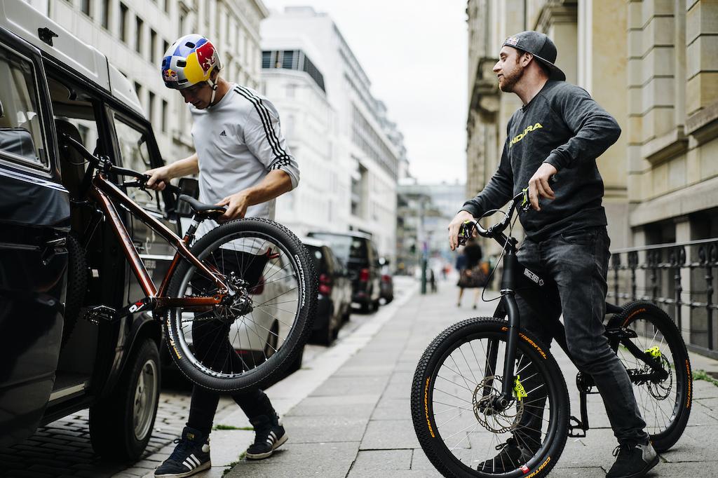 LederBROsen - Danny MacAskill and Martin S derstr m do Germany