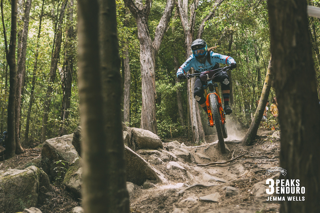 Katy Winton of Scotland drops into the final section of Student Track on her way to an overall win in the 3 Peaks Enduro.