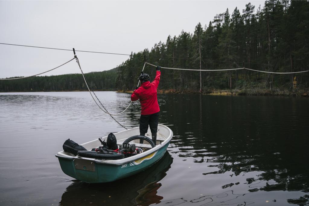 Erkki Punttila cruising through Finland s Lemmenjoki national park aboard his Kona Unit X.