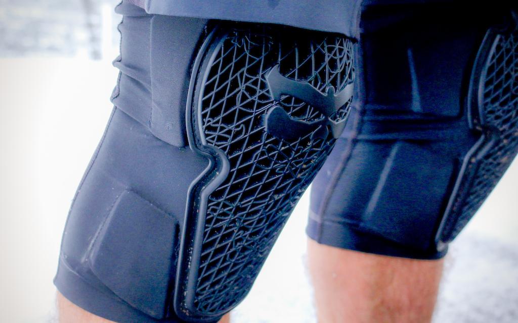 Kali knee pad