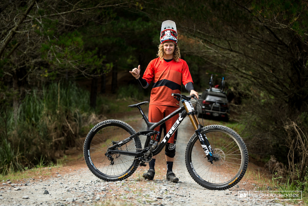 Connor Hamilton rolled into round two aboard a fresh Trek Session 29. The first production 29 DH rig on the domestic circuit.