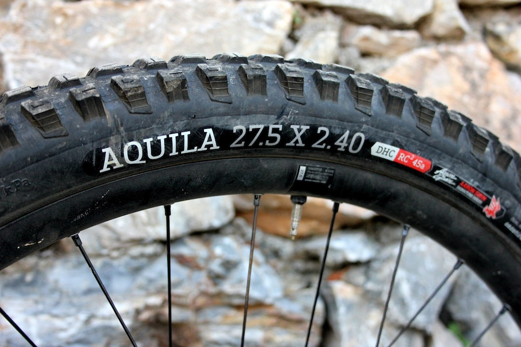 Only one diameter and width is available in the Aquila tread pattern. Onza is a small brand but hopefully we will see a few more options in the future.