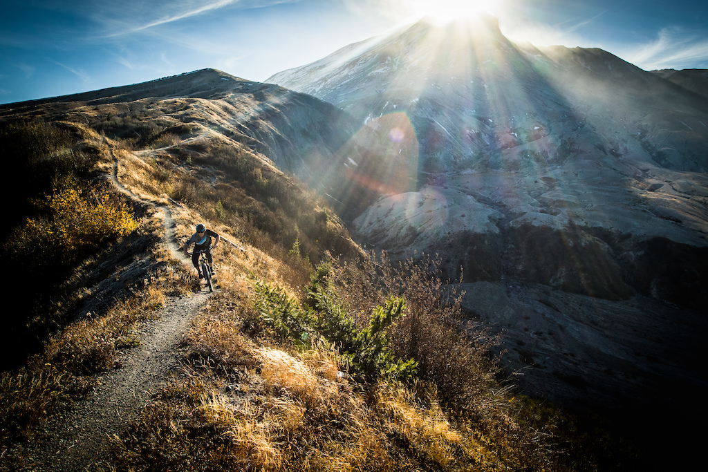 Chasing the sun from the shadow of the valley of death at Mt. Saint Helens