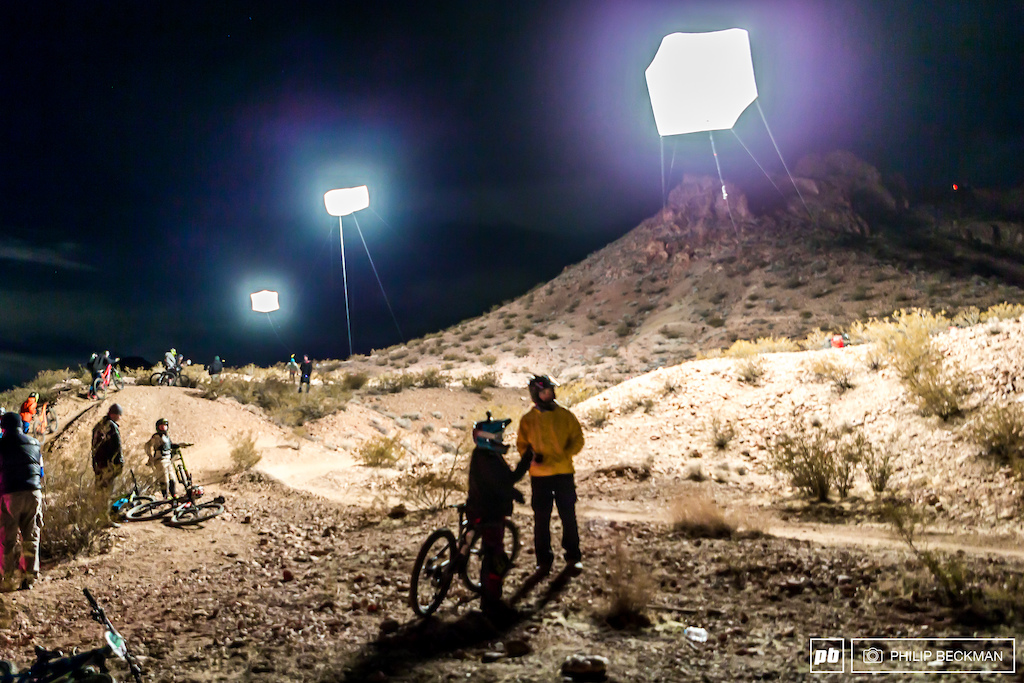 For the first time in the history of the Winter Gravity Series the Dual Slalom would take place at night with these helium-filled lighting balloons providing illumination.