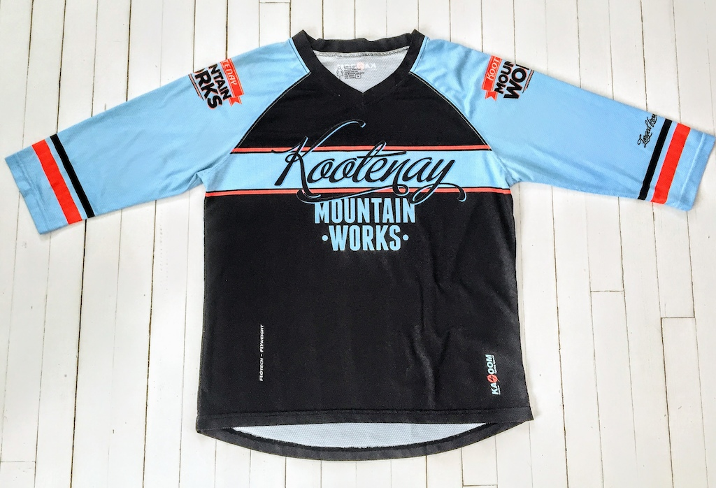 Custom 3/4 Sleeve MTB/Freeride Jersey. Put your own design on it. Free design support. Simply contact us at info@KazoomCycling.com http://www.kazoomcycling.com/custom-apparel