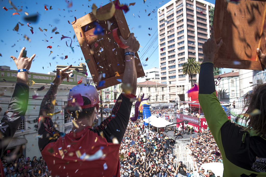 Thomas Slavik Matt Walker and Matias Nunes celebrates after Bull Valparaiso Cerro Abajo in Valparaiso Chile on February 11th 2018 Nicolas Gantz Red Bull Content Pool