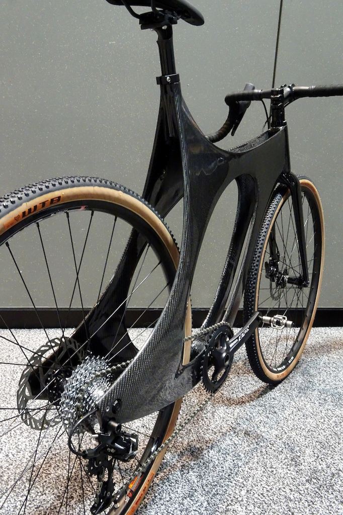 NAHBS 2018 Brian Cargo Juliette Designs hails from San Francisco. Ella is molded carbon fiber and it is the second design from the startup builder.