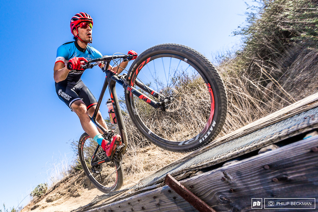 Frenchman Julien Bourdevaire Moment Bicycles once again had his way with the Pro Men s Cross Country. He clocked three laps in 1 14 05.14 to win ahead of Mexican Gustavo Pedroza and his brother Jean-Louis Bourdevaire.