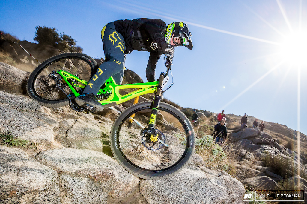 The largest class at the downhill was Expert Men 15-18 once again snapped up by Incycle s Cole Suetos with a 2 07.45. Seventeen riders filled the ranks.