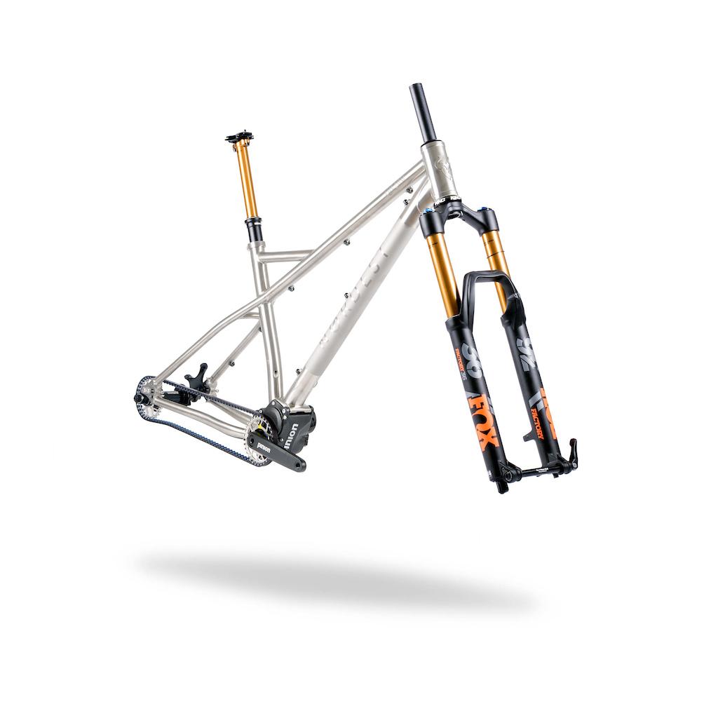 Nordest Cycles Introduces A Titanium Enduro Hardtail With Pinion Element Mtb Fullsus Pride 20 Greey Red Lacrau M1 Kit