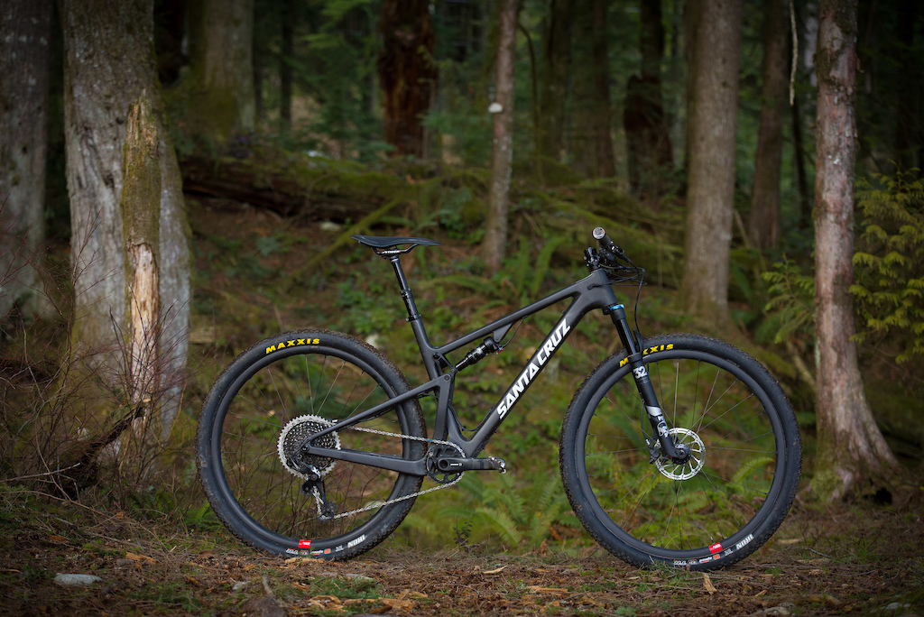 Santa Cruz Blur CC X01 Reserve Photo by James Lissimore