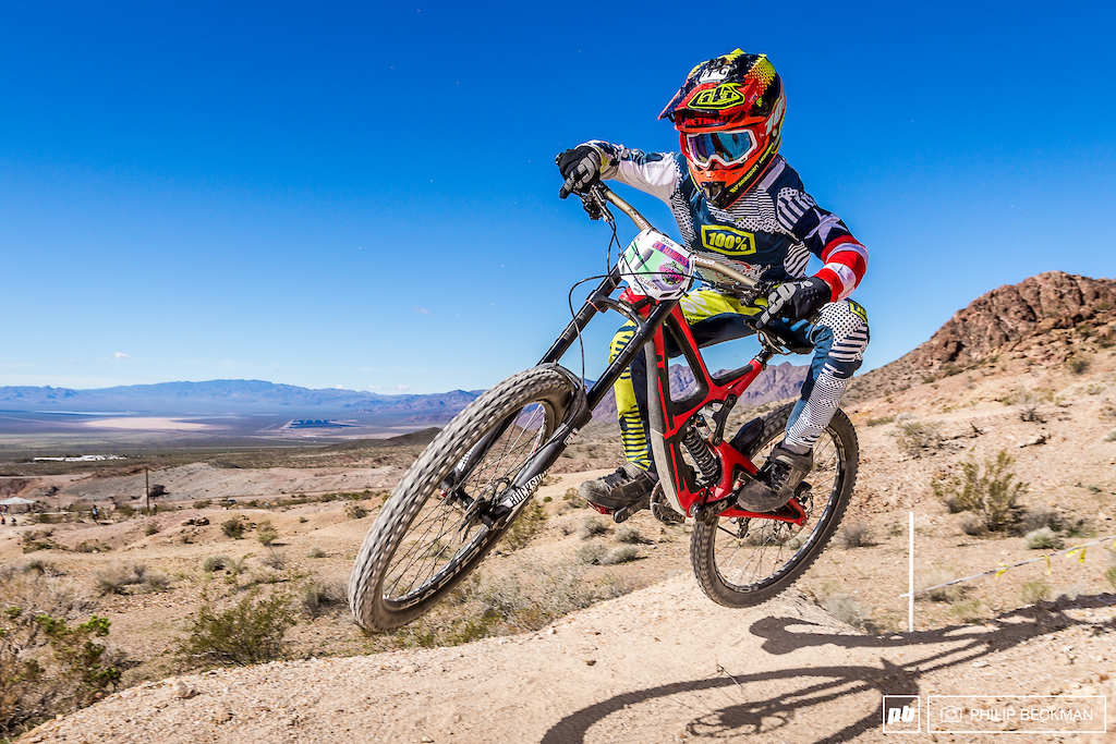 This series continues to draw impressive numbers of youngsters. One of the fastest is Ryan Pinkerton Rock n Road Maxxis 100 who again donned the Junior Men s 13-14 Downhill crown.