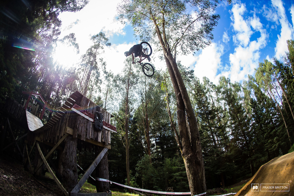 Miraculously after one last downpour, the sun came out once again and the skies went blue just in time to get the show on the road for Crankworx Rotorua Slopestyle.