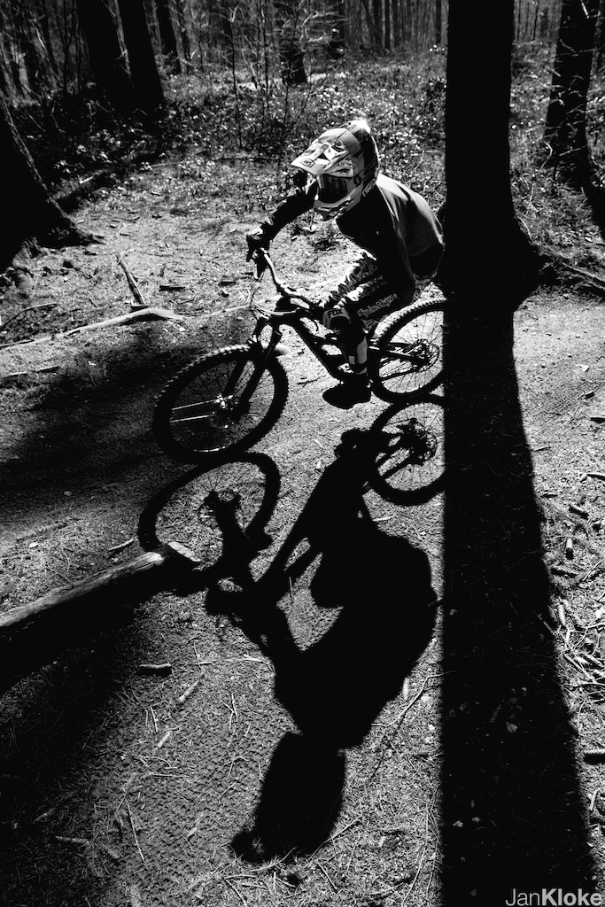 Sunny day at Bikepark Aachen.  Photo: Jan Kloke