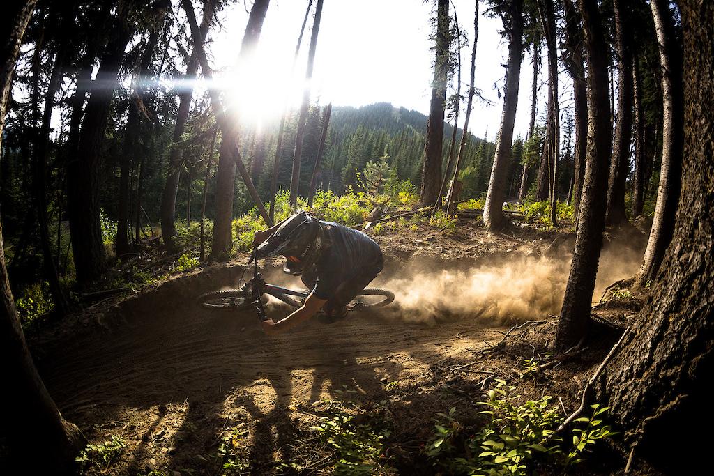 Lynden Sandy chasing the evening light down Arm Pump. Photo by Riff Stills
