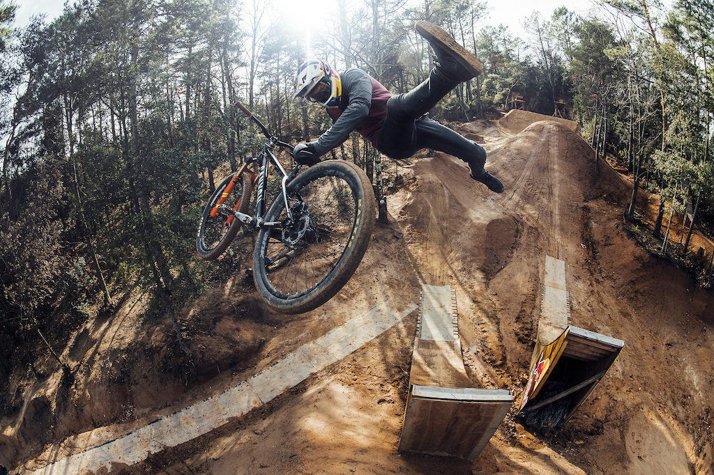 Image by Bartek Wolinski / Red Bull Bike