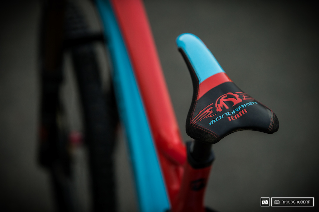 SDG made aspecial edition of their Fly saddle to match the frame colors