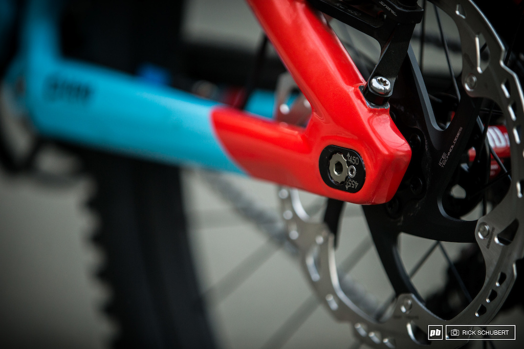 While Laurie is running the 455mm chain stays the frame offers a second option wih 450mm