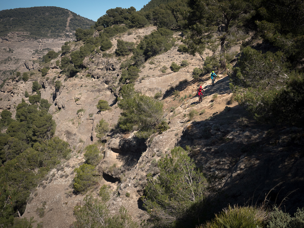 El Choro is also popular amongst hiking enthusiasts. It s full of cliffs caves and gorges so you d better not fly off of the trails.