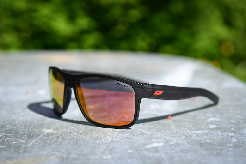 0e93e098614 Julbo Renegade. The Zebra Light photochromic ...