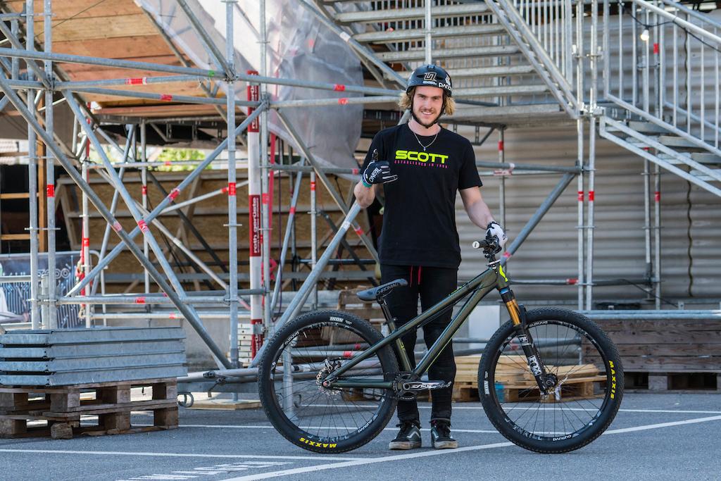 Bernd Winkler | Scott Volatge