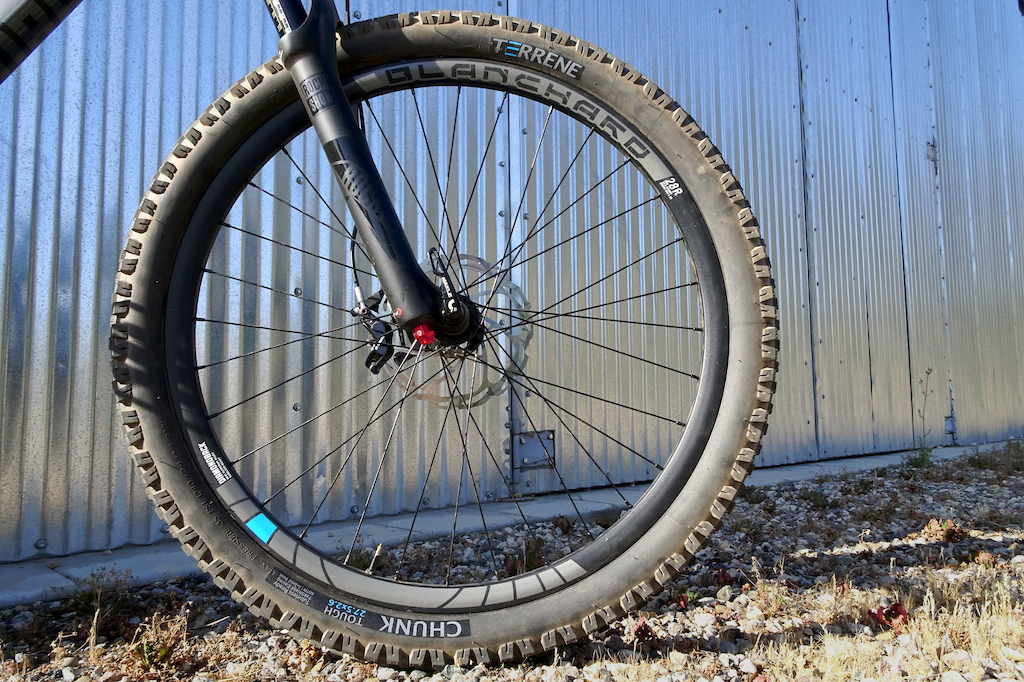 Turrene Chunk Tough 27.5 x 2.6 tire