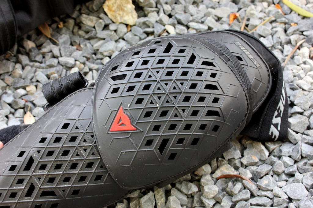 Dainese Armoform knee pads - Check Out May