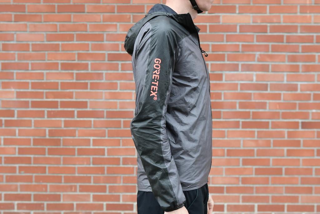 f1c445edb79d7 Gore R7 Shakedry Jacket - Review - Pinkbike