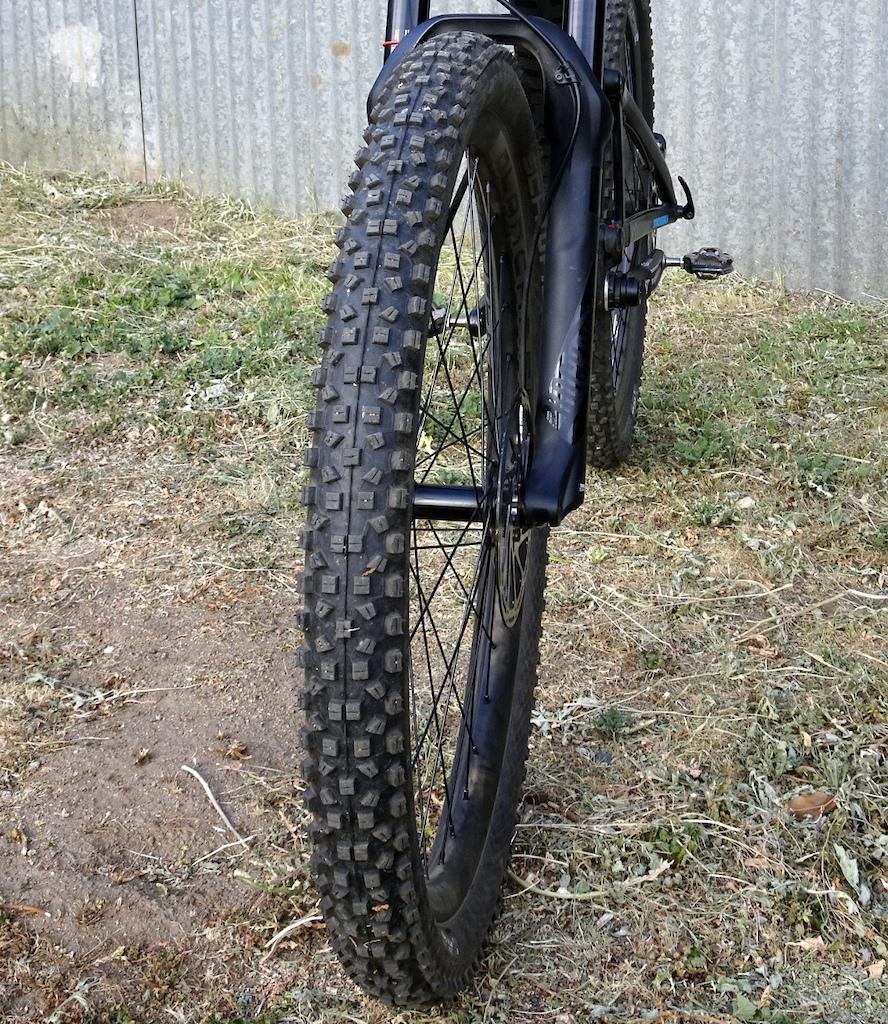 Schwalbe Hans Dampf 2.35 tire