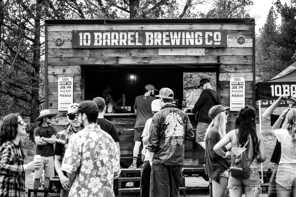 10 Barrel Brewing, the title sponsor for the event, had their mobile pub pouring ice cold brews all day long.