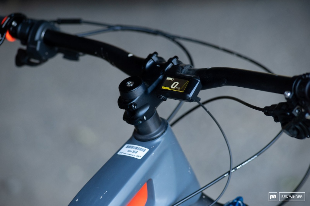 BMC TrailFox AMP Two - Shimano handlebar display
