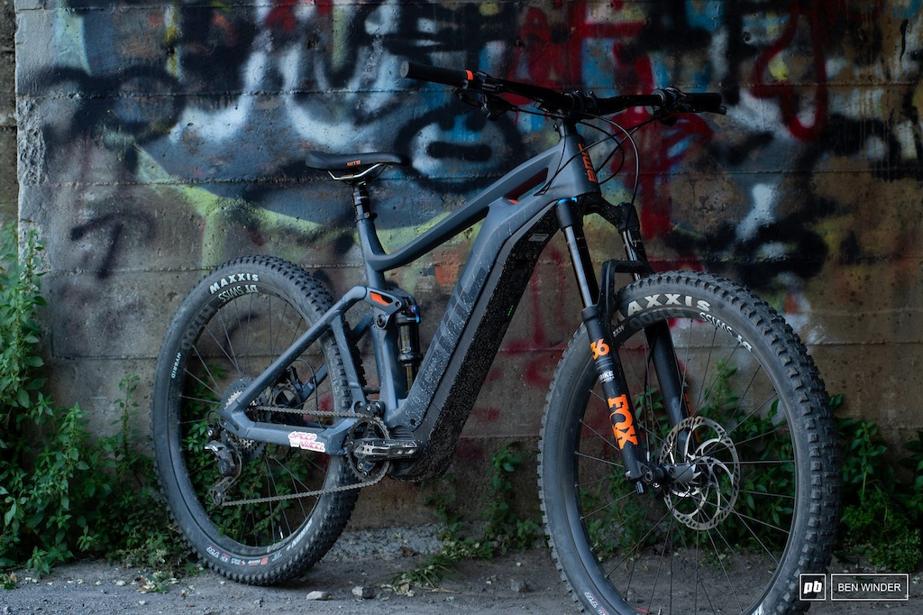 BMC TrailFox AMP Two - 1 4 shot