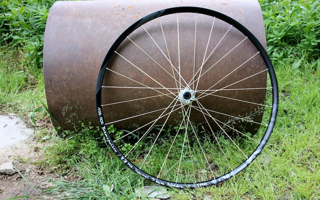 Newmen Components First Look String spokes